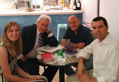Luis del Olmo atiende a Radio Priego FM con motivo de su visita a la localidad